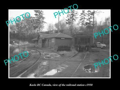 OLD 8x6 HISTORIC PHOTO OF KASLO BC CANADA, VIEW OF THE RAILWAY STATION c1950