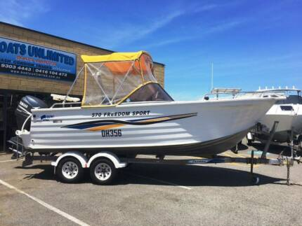 QUINTREX 570 FREEDOM SPORT BOWRIDER PLENTY OF SEATING