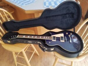 Eleca Electric guitar with hard case great condition in electric blue