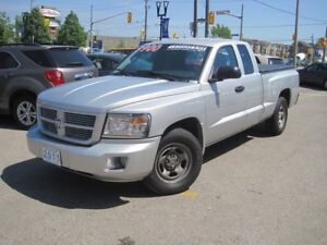 2011 DODGE DAKOTA ST | Ext. Cab • A/C • 3.7L V6  •
