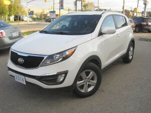 2014 KIA SPORTAGE LX | Manual • VERY Low KM !!! •