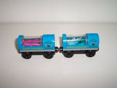 Thomas Wooden Train Sodor Aquarium Light Up Squid Car & Light Up Shark Car Set