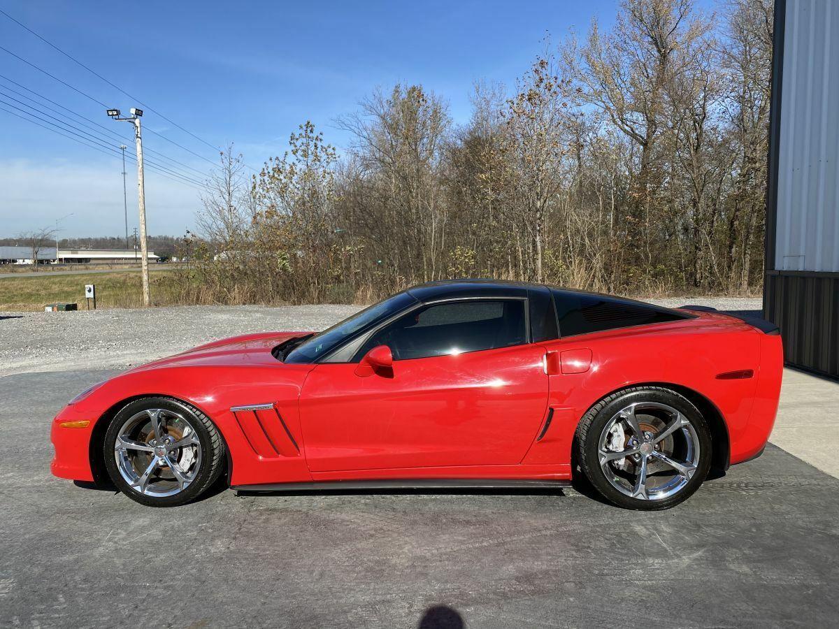 2010 Red Chevrolet Corvette     C6 Corvette Photo 4