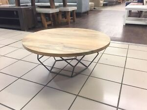 TIMBER TOP ROUND COFFEE TABLE W/ METAL FRAME Logan Central Logan Area Preview
