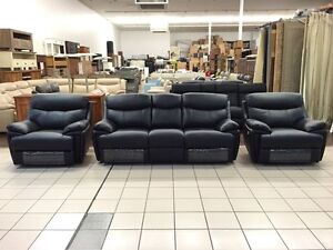 CLEARANCE GENUINE LEATHER 3 SEATER + 2 SINGLE RECLINERS (BLACK) Bundall Gold Coast City Preview