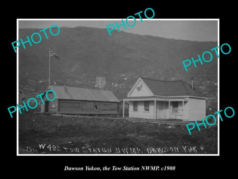 POSTCARD SIZE PHOTO OF DAWSON YUKON NORTH WEST MOUNTED POLICE TOW STATION c1900