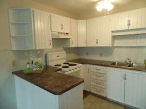 CEDAR GLEN//2 BDRM//$775//CHRISTOPHER CT//January
