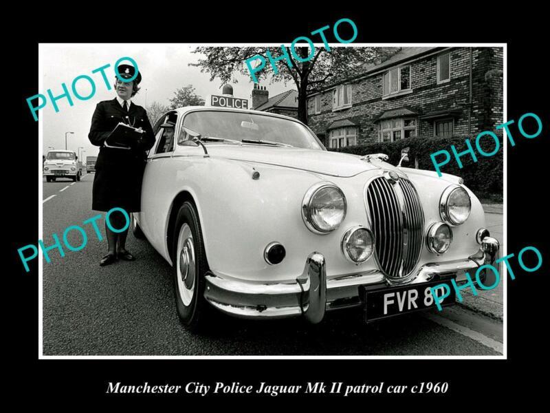 OLD POSTCARD SIZE PHOTO OF MANCHESTER CITY POLICE JAGUAR Mk II PATROL CAR c1960