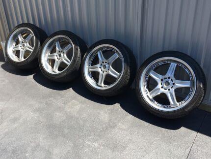 Rays Volk Racing GT-C 18x8.5/9.5 +35 with Tyres 5x114.3