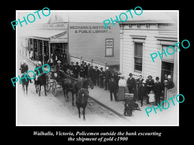 OLD 8x6 HISTORICAL PHOTO OF WALHALLA VIC POLICE ESCORTING GOLD SHIPMENT c1900