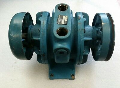 Gast 3040-v132 Rotary Vane Vacume Pump