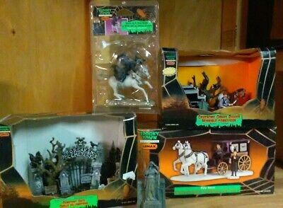 Terrifying Halloween Decorations (Terrifying, Lemax Spooky Town Cemetery Collection)