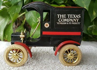 TEXACO 1905- Ford's First Delivery Car Bank -Ertl-#4-1987-Nostalgic