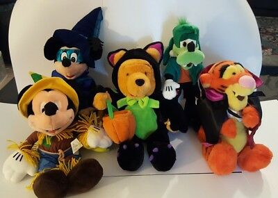 DISNEY Halloween Plush Dolls Mickey, Minnie, Goofy, Pooh and Tigger in Costumes](Mickey And Minnie Halloween Costumes)