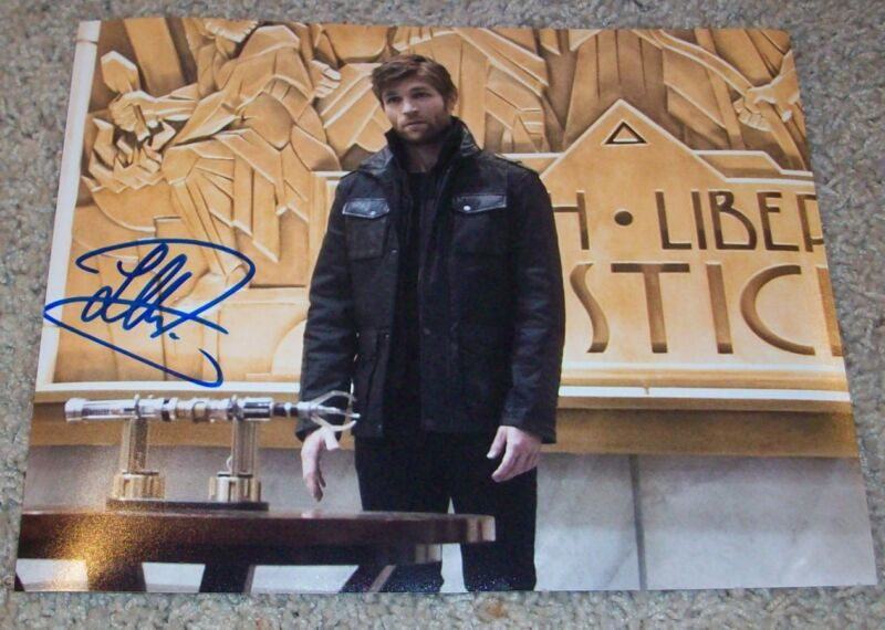 LIAM MCINTYRE SIGNED AUTOGRAPH THE FLASH SPARTACUS 8x10 PHOTO w/EXACT PROOF