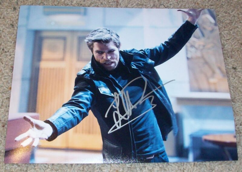 LIAM MCINTYRE SIGNED AUTOGRAPH THE FLASH SPARTACUS 8x10 PHOTO EXACT VIDEO PROOF