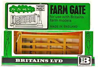 1:32 Britains Herald # 1731 - Farm Gate - unpainted plastic - mint in box
