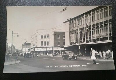 Hampshire 1950s Postcard of Commercial Rd Portsmouth