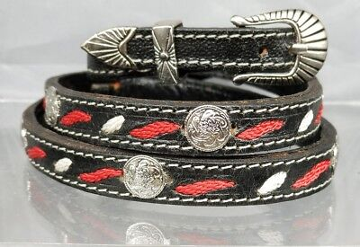 Schwarz Hutband mit Rot und Weiß Stickerei, Silber Rund Conchos Cowboy Hut Band