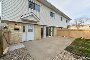 Lord Byron Townhouses - 122 St. & Whitemud Fwy. *Premium Suite*