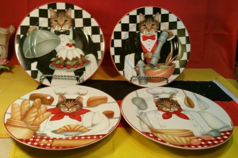 Set of 4 Oneida Sakura Gourmet Cats by Stephanie Stouffer Salad / Dessert Plates