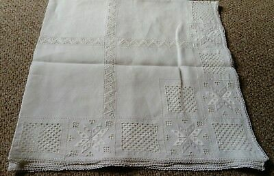 ANTIQUE / VINTAGE HAND MADE LACE TABLECLOTH, IN EXCELLENT CONDITION