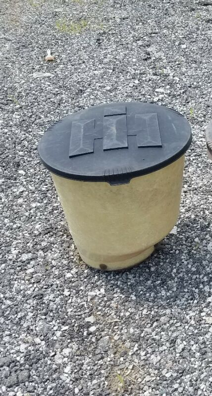 International corn planter seed box with lid 3 available.auction is for 1
