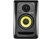 2 krk rokit speakers 1 rp6 and 1 rp4 both g3 less than 1 year old and in origanal boxes