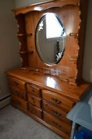 Beautiful Solid Wood Dresser and Removable Mirror $100 OBO