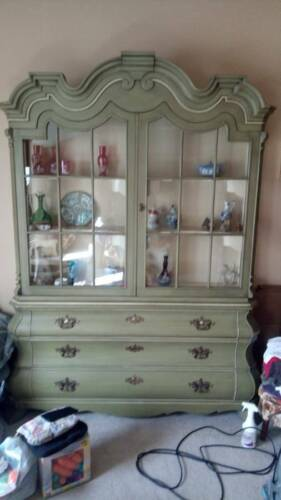 Antique Dorothy Draper for Henredon Viennese Collection China Cabinet