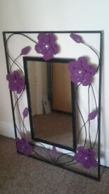 Ornate mirror / Black / Purple