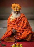 TRADITIONAL Astrologer & Palmist reading