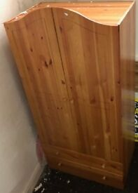 2 DOOR 2 DRAWER WOODEN WARDROBE