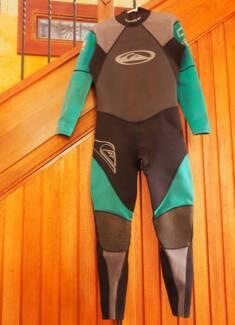 Quiksilver 3x2mm Wetsuit Size XL Ulladulla Shoalhaven Area Preview