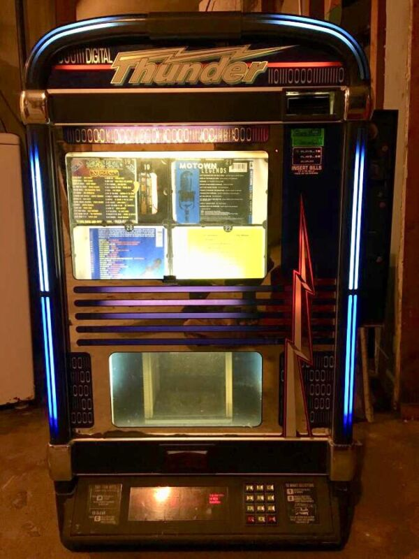 Digital Thunder Wall Mounted Jukebox With 100 Cds