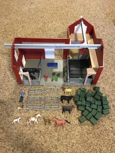 Pre-Owned/Used*Schleich Barn w/Accessories*Cow/Horse/Hay/Fencing*Farm*72102