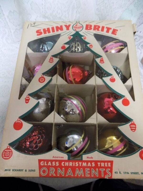 12 VINTAGE PLASTIC ORNAMENTS~BRADFORD~FILIGREE/SOLID~VINT. SHINY BRITE BOX