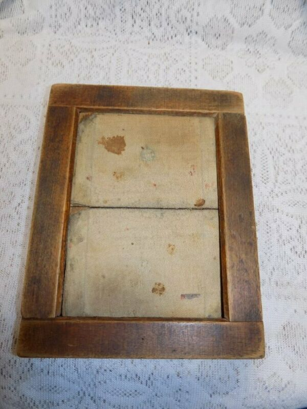 """ANTIQUE PICTURE FRAME~PRIMITIVE~HINGED BACK~DOVETAIL CORNERS~6.75"""" X 8.75"""""""