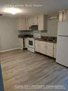Nice Basement Suite. Close to Henderson Lake.