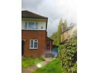 2 bedroom flat in Harlyn Drive, HA5