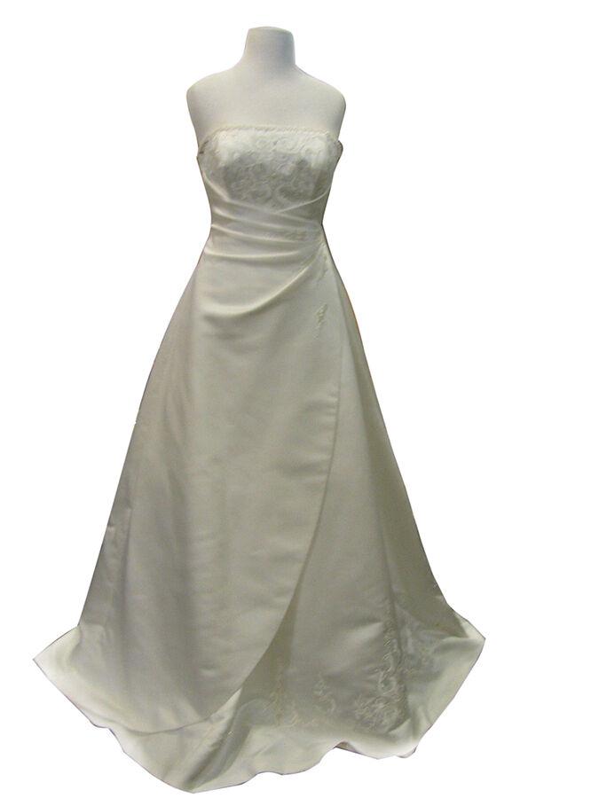 Pronovias Udine A-Line Gown