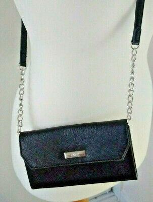 Reaction by Kenneth Cole convertable purse/shoulder bag with detachable strap.