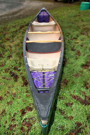 Old Town Discovery 158 open canoe in good condition, threaded with Aiguille buoyancy blocks