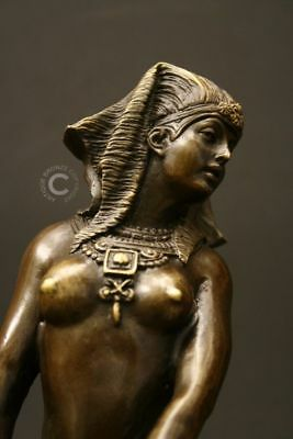 BRONZEFIGUR ÄGYPTISCHE GÖTTIN 'ISIS' - SIGNIERT
