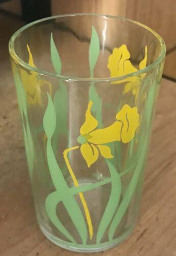 Swanky Swig With Daffodils