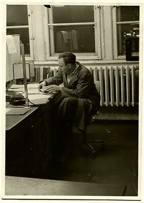 Motivierter Angestellter, Original-Photo um 1950