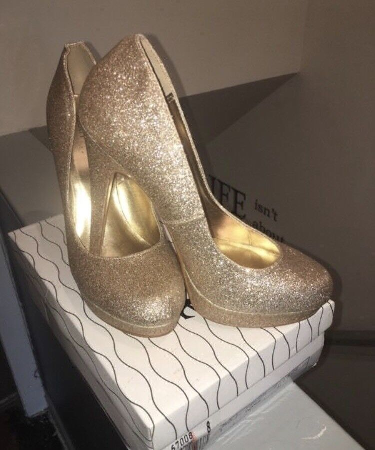 Size 8 sparkly gold shoes