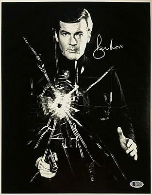 Roger Moore Signed 11X14 James Bond 007 Photo Auto  7 W  Beckett Bas Coa