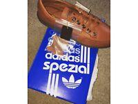 Adidas Garwen - Size 9 - £80