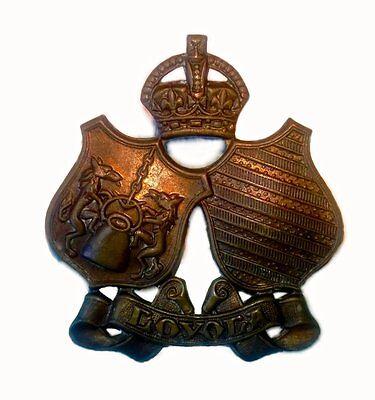 Canada WWII Loyola University COTC Bronze Cap Badge
